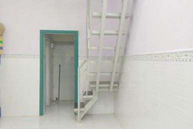 Nhà cho thuê hẻm Đoàn Văn Bơ quận 4 3.8x6m