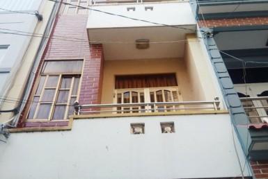 Nhà đường 40 quận 4 3.5x9m