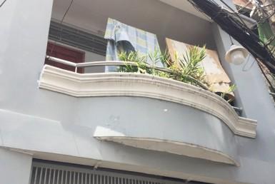 Nhà hẻm đường Đoàn Văn Bơ quận 4 4.38x12.5m
