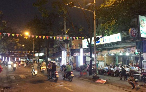 Phố ẩm thực Vĩnh Khánh quận 4
