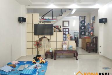 Nhà hẻm đường Tôn Thất Thuyết quận 4 5.5x17.5m