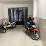 Nhà đường Đoàn Văn Bơ 4.7x16m