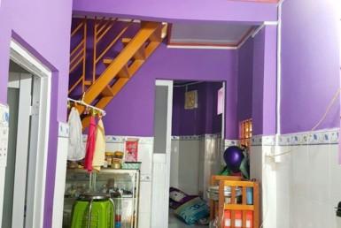 Nhà màu tím hẻm Nguyễn Khoái quận 4 3.37x12m