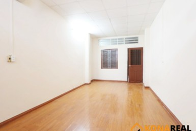 Nhà đường Đoàn Văn Bơ quận 4 3.2x10.21m