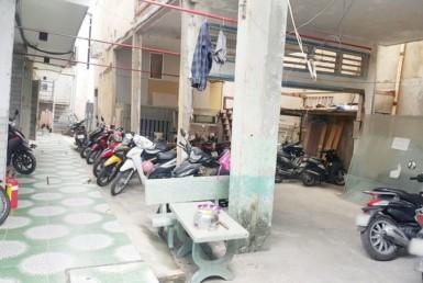 Nhà đường Đoàn Văn Bơ quận 4 7x23m