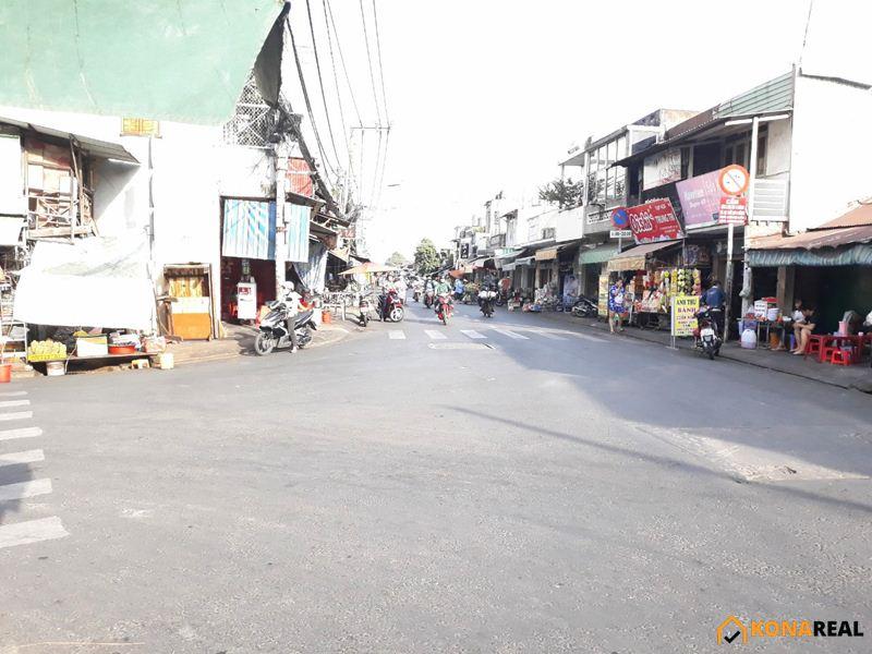 Chợ góc đường Nguyễn Khoái - Tôn Thất Thuyết quận 4