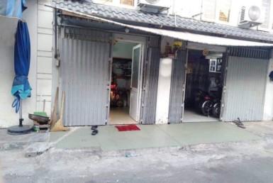 Nhà đường Bến Vân Đồn quận 4 4.7x7.1m