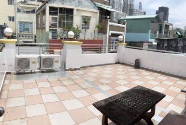 Nhà đường Hoàng Diệu quận 4 3.5x12m